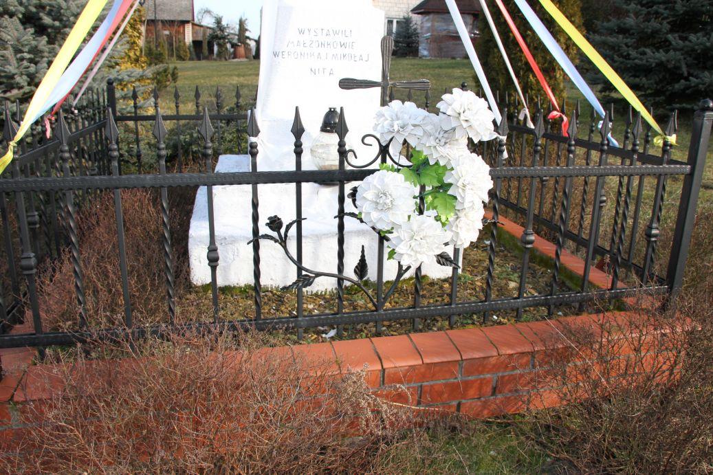 2020-02-09 Kolonia Libiszów kapliczka nr3 (3)