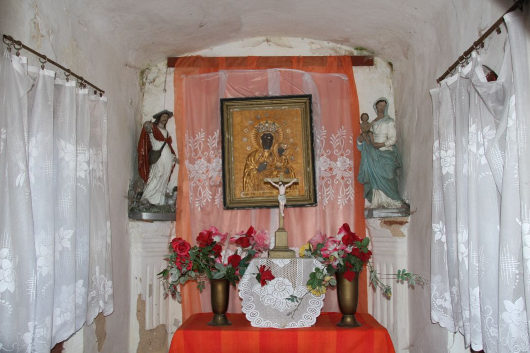 2020-01-19 Kurzeszyn kapliczka nr1 (7)