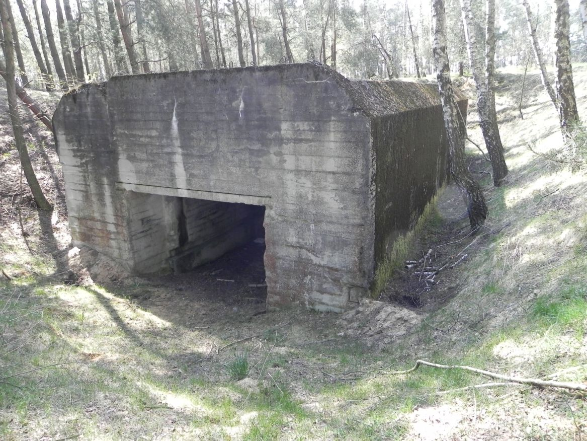 Lubocz - bunkier Garaż-7 (1)