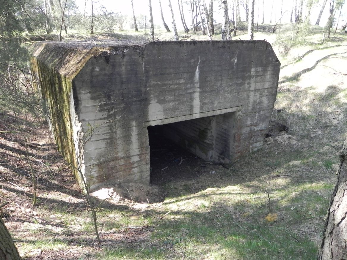 Lubocz - bunkier Garaż-7 (12)