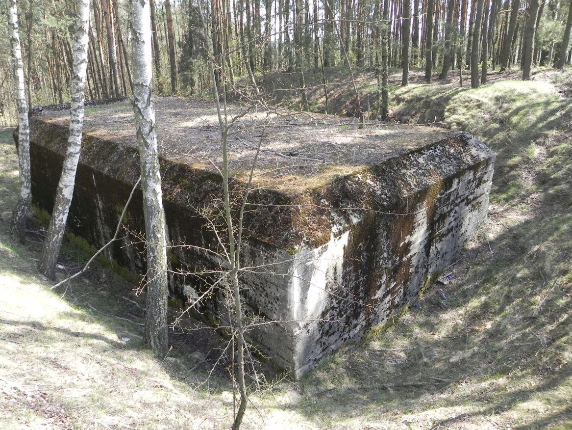 Lubocz - bunkier Garaż-7 (7)