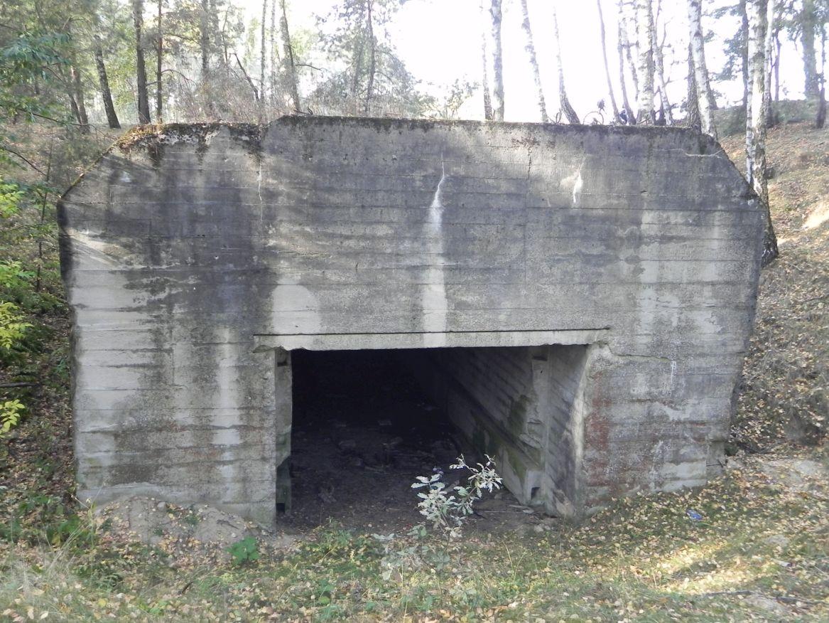 Lubocz - bunkier Garaż-7 (77)