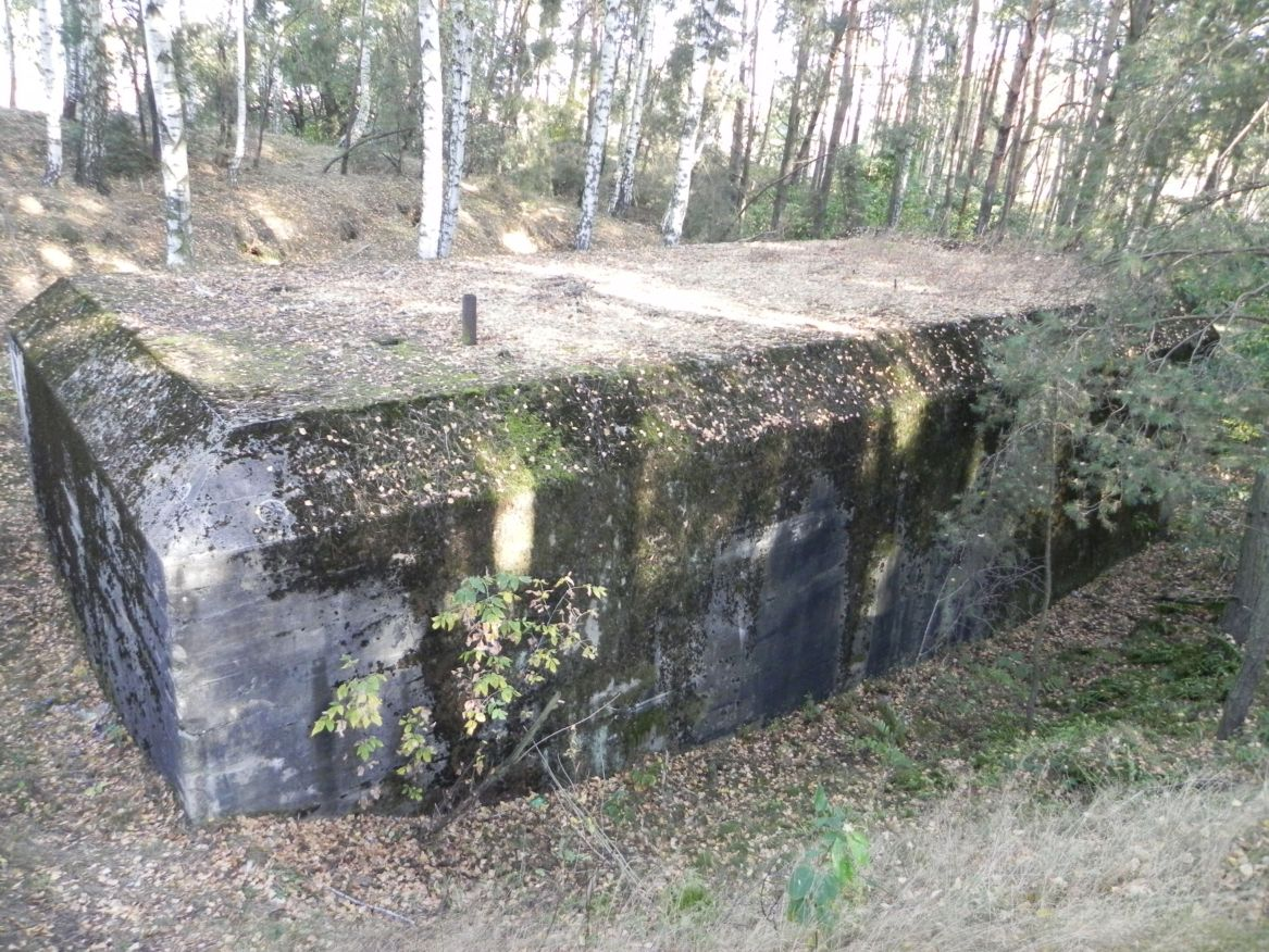 Lubocz - bunkier Garaż-7 (87)
