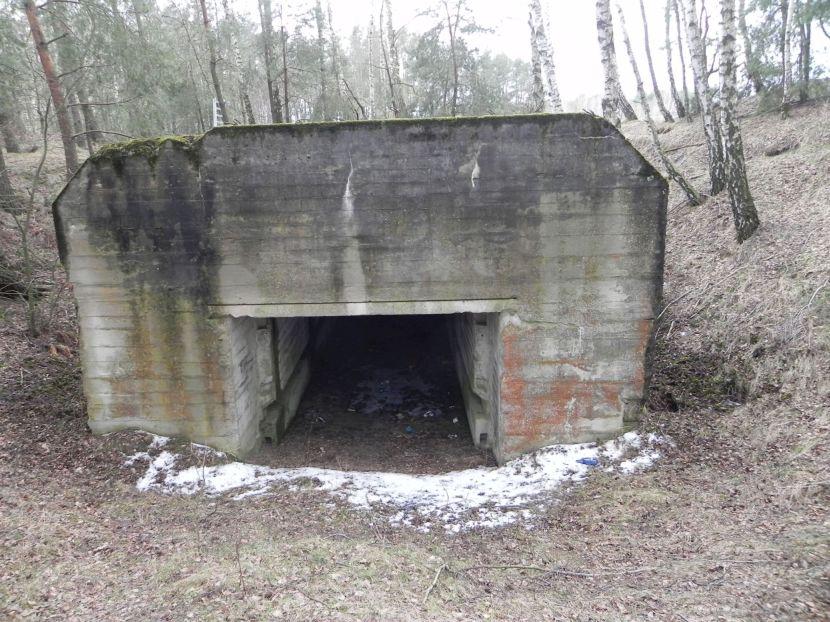 Lubocz - bunkier Garaż-7 (98)