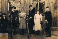 1938r. Sierzchowy - Wrona i Edek Łaski z Wisówki i nieznani z Rudek
