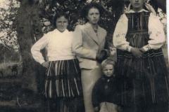 Małgorzata Dzika Lewandowska, Albina Jakubowska Rek z córką, Cecylia Ketlińska