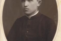 1925r. Ksiądz Józef Dziki