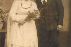 1925r. Mroczkowice - Helena Dzika i Jan Wieteska (foto I. Molski Rawa Maz. ul. Warszawska 91)