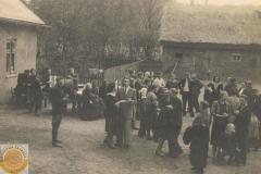 1951r Mroczkowice - wesele Maria Wieteska i Kazimierz Kamiński (kopia)