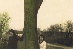 1941.05 Sierzchowy - Wiktoria i Irena Ponewczyńskie