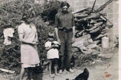 1941r. Sierzchowy - Witka i Dzidka Ponewczyńskie, Bronek Górnik