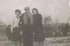 1942r. Sierzchowy - Witka i Irena Ponewczyńskie, Bronek Górnik