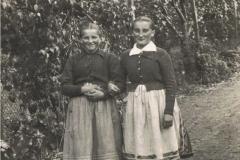1950r. Złota - Marysia Kałach i Stefania Łopatka