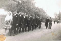 1960r. Orszak weselny Stefani Łopatka i Józefa Botuli