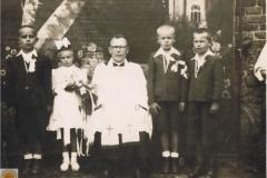 1949r. Sierzchowy - I komunia św. Pierwszy od lewej Stasiek Rosiak