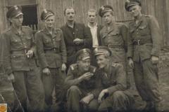 1952r. Drugi z prawej stoi Władysław Rosiak